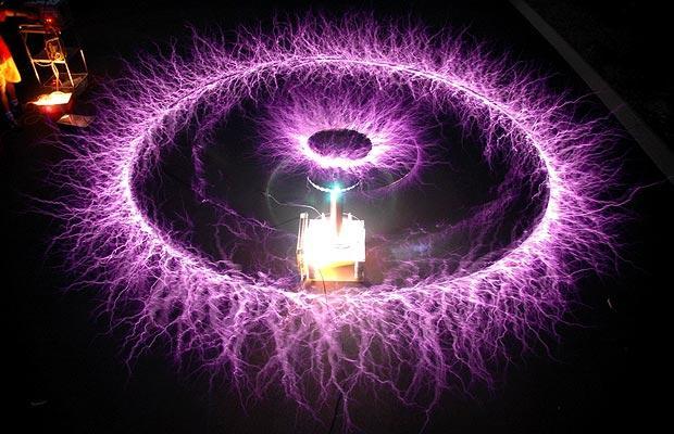 Nikola Tesla Coil Techhour11